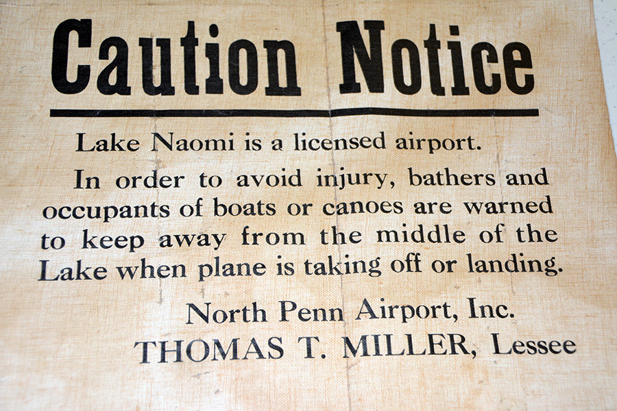 Notice about float plane activity on Lake Naomi